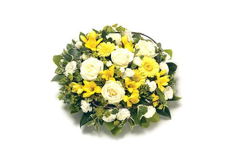 posy_arrangement_yellow_and_white_featured